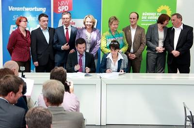 Koalitionsvertragsunterzeichnung 2012